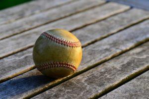 button-only@2x 野球が18.44mの理由は?測り方やどのくらいでどこから?届かないほど意外に長い距離